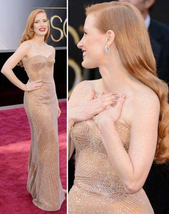 Hollywood's favorite IT girl at the moment--Jessica Chastain. That material is just elegant and perfect for a million dollar babe like her. I always love it when the dress shows off the curves of a woman elegantly. I would have loved it more with a little longer train.